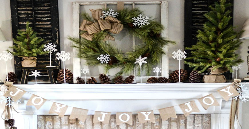 Rustic farmhouse DIY Christmas mantel decoration