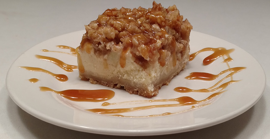 caramel-apple-cheesecake-bars