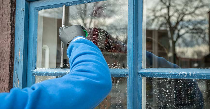 Ask Wet Amp Forget How To Clean Glass Surfaces In Your Home