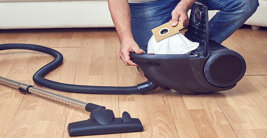 Always empty your vacuum cleaner!