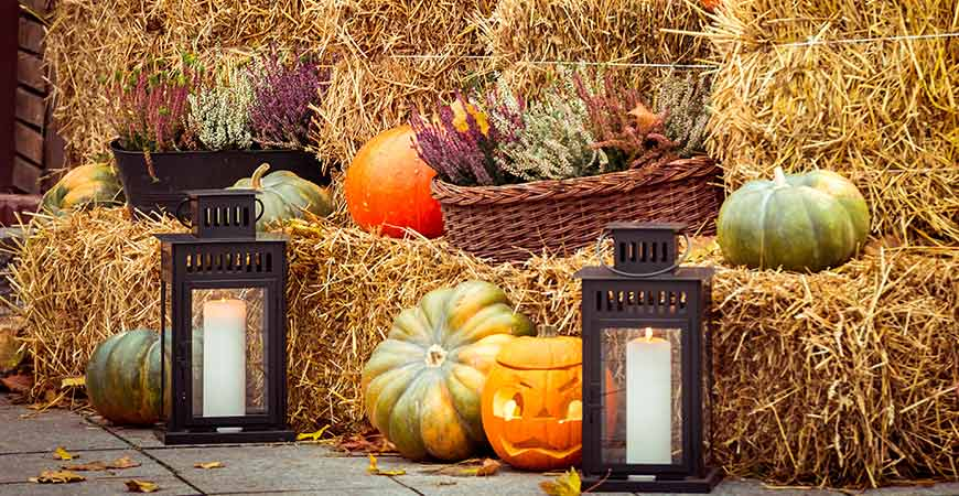 Enjoy The Changing Seasons With These Por Fall Patio Decorating Ideas